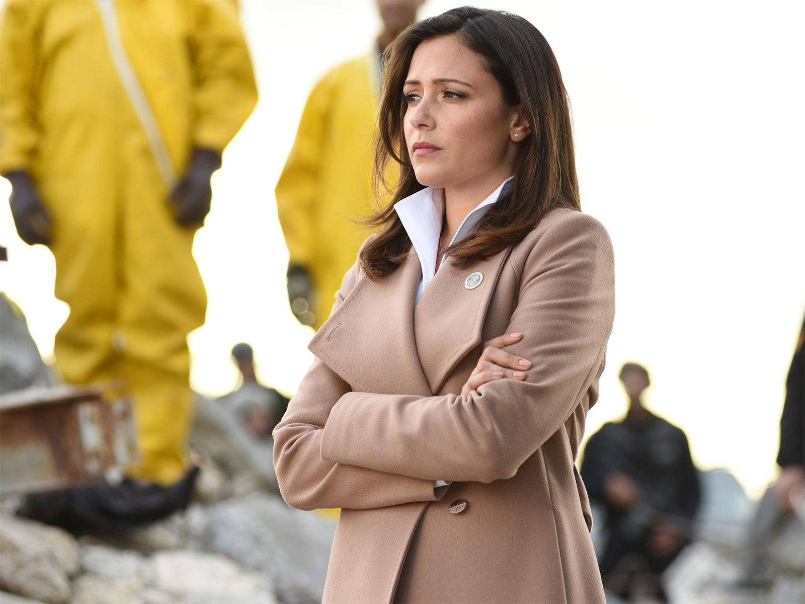 Emily Rhodes Beige Wrap Coat On Designated Survivor Pradux
