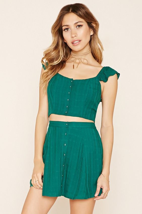 0eb7b8bf303d6 Forever 21 Button Front Crop Top
